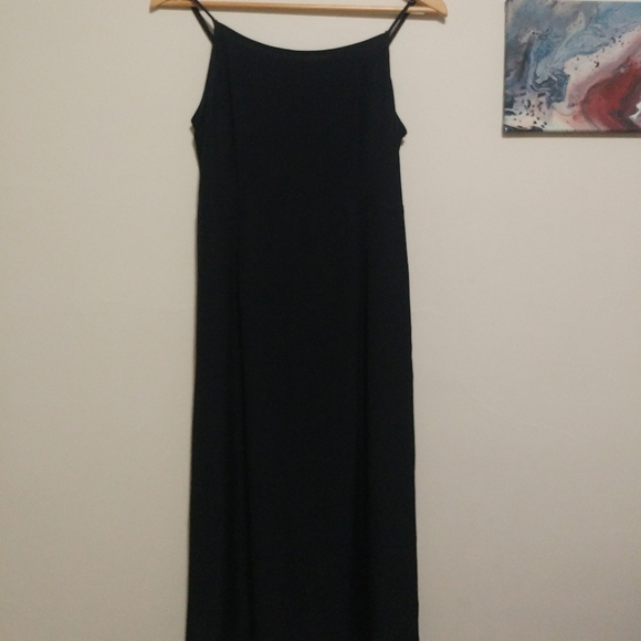 Aritzia Dresses & Skirts - Wilfred Maxi Dress